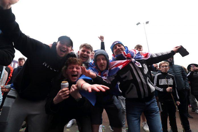Rangers fans 55 Steven Gerrard title Scottish Premiership SPL Ibrox