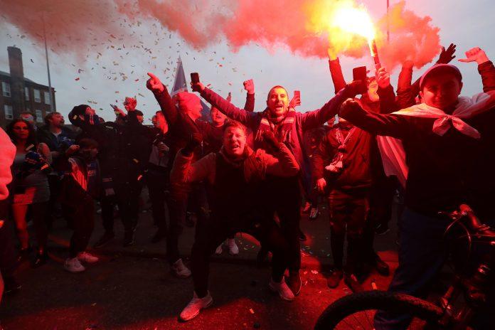 Rangers fans Ibrox Steven Gerrard 55 Scottish Premiership